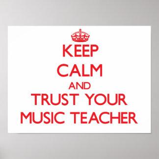 Guarde la calma y confíe en a su profesor de póster