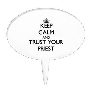 Guarde la calma y confíe en a su sacerdote figuras para tartas