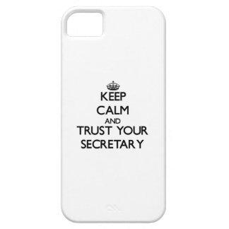 Guarde la calma y confíe en a su secretaria iPhone 5 carcasas