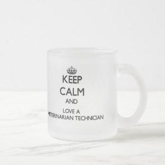 Guarde la calma y confíe en a su técnico veterinar tazas de café