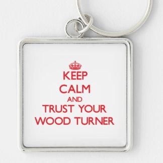 Guarde la calma y confíe en a su Turner de madera Llavero Personalizado