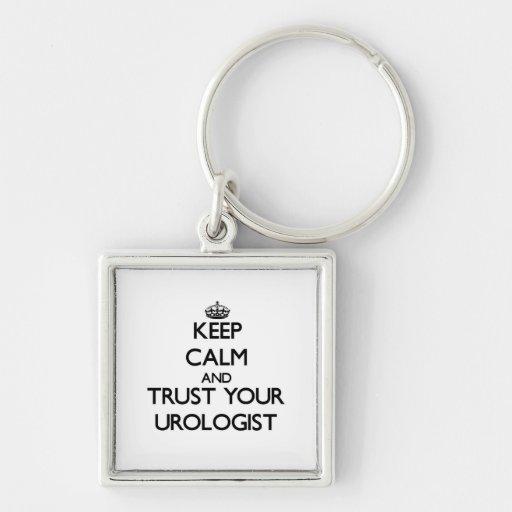 Guarde la calma y confíe en a su urólogo llavero personalizado