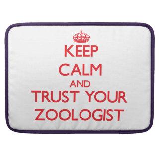 Guarde la calma y confíe en a su zoologista