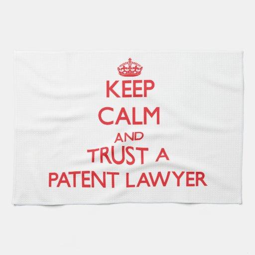 Guarde la calma y confíe en a un abogado patentado toalla de cocina