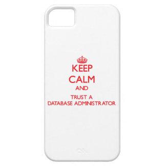Guarde la calma y confíe en a un administrador de iPhone 5 carcasas