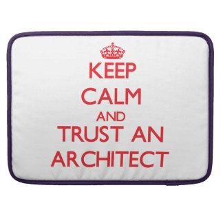 Guarde la calma y confíe en a un arquitecto funda para macbook pro