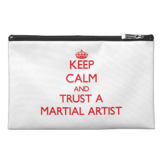 Guarde la calma y confíe en a un artista marcial