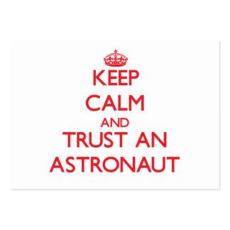 Guarde la calma y confíe en a un astronauta tarjeta de visita