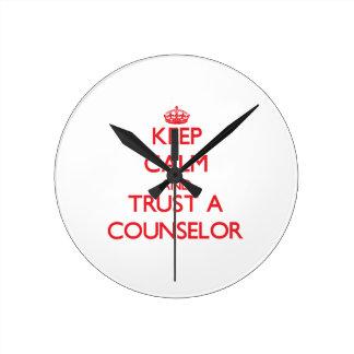 Guarde la calma y confíe en a un consejero relojes
