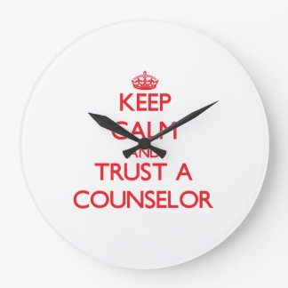 Guarde la calma y confíe en a un consejero reloj