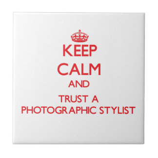 Guarde la calma y confíe en a un estilista fotográ azulejos ceramicos