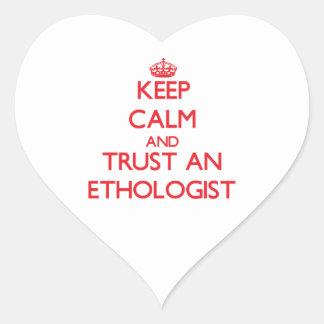 Guarde la calma y confíe en a un etólogo pegatinas de corazon personalizadas