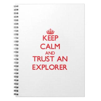 Guarde la calma y confíe en a un explorador libreta
