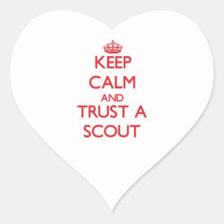 Guarde la calma y confíe en a un explorador calcomanías corazones personalizadas