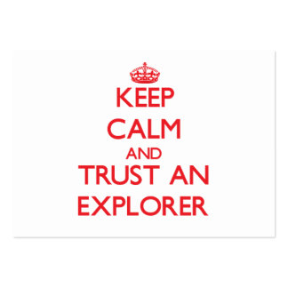 Guarde la calma y confíe en a un explorador plantilla de tarjeta de negocio