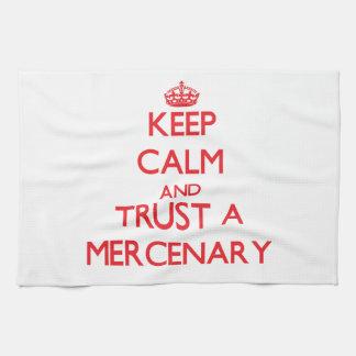 Guarde la calma y confíe en a un mercenario toallas de cocina