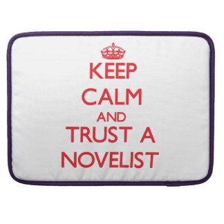 Guarde la calma y confíe en a un novelista funda para macbook pro