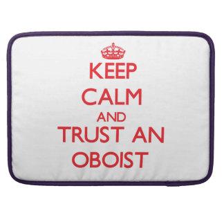 Guarde la calma y confíe en a un oboe funda macbook pro