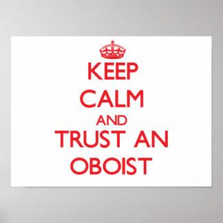 Guarde la calma y confíe en a un oboe poster