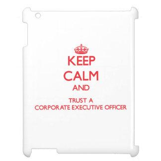 Guarde la calma y confíe en a un oficial de ejecut