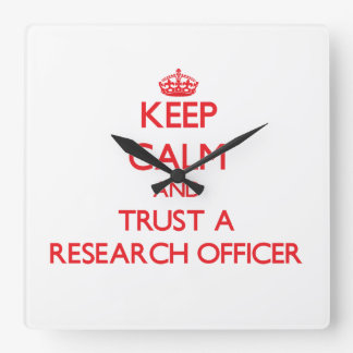 Guarde la calma y confíe en a un oficial de la inv reloj