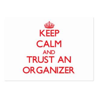 Guarde la calma y confíe en a un organizador plantillas de tarjetas de visita