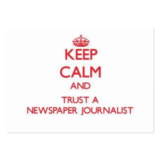 Guarde la calma y confíe en a un periodista del pe tarjetas de negocios