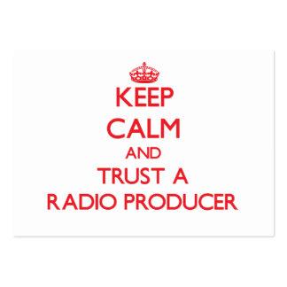 Guarde la calma y confíe en a un productor de radi tarjeta de visita