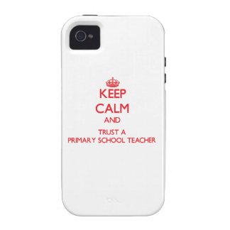 Guarde la calma y confíe en a un profesor de escue Case-Mate iPhone 4 funda