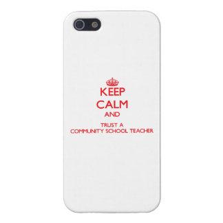 Guarde la calma y confíe en a un profesor de escue iPhone 5 funda