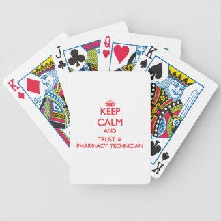 Guarde la calma y confíe en a un técnico de la far baraja cartas de poker