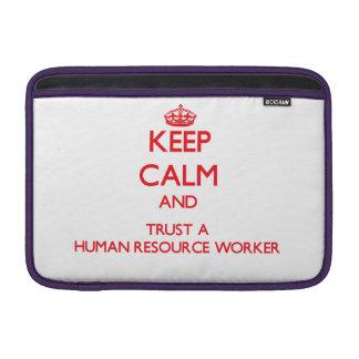 Guarde la calma y confíe en a un trabajador del re fundas macbook air