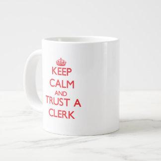Guarde la calma y confíe en a un vendedor taza extra grande