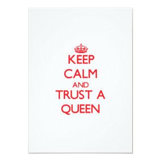 Guarde la calma y confíe en a una reina comunicados personalizados