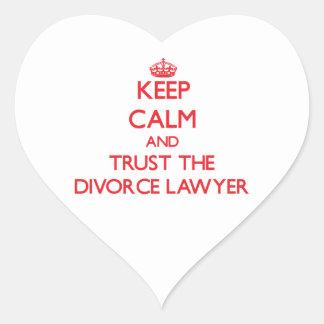 Guarde la calma y confíe en al abogado de divorcio pegatina corazón