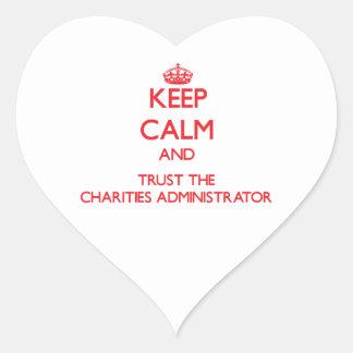 Guarde la calma y confíe en al administrador de pegatina en forma de corazón