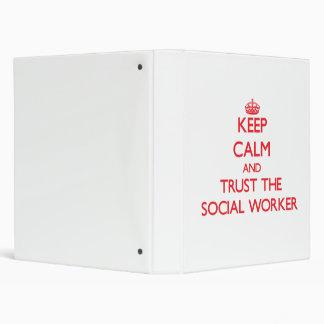 Guarde la calma y confíe en al asistente social