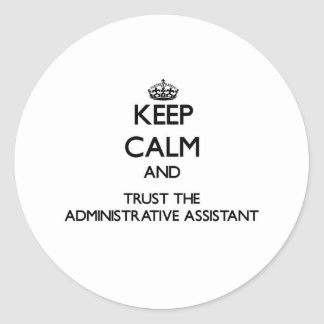 Guarde la calma y confíe en al ayudante administra