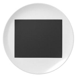 Guarde la calma y confíe en al ayudante de la emis plato de comida