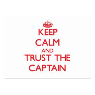 Guarde la calma y confíe en al capitán tarjetas de visita grandes