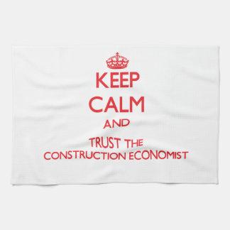 Guarde la calma y confíe en al economista de la co toallas de mano