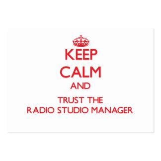 Guarde la calma y confíe en al encargado de radio tarjetas de visita