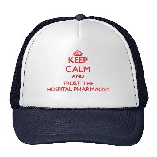 Guarde la calma y confíe en al farmacéutico del ho gorro de camionero