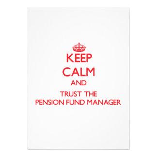 Guarde la calma y confíe en al gestor de fondos de invitaciones personalizada
