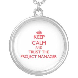 Guarde la calma y confíe en al gestor de proyecto grimpolas personalizadas