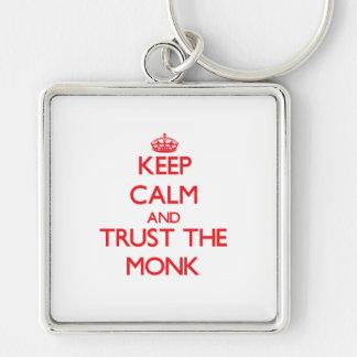 Guarde la calma y confíe en al monje llaveros personalizados