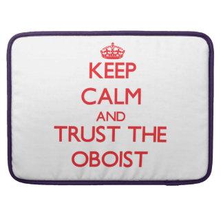Guarde la calma y confíe en al oboe fundas macbook pro
