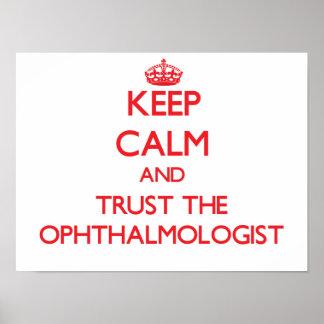 Guarde la calma y confíe en al oftalmólogo impresiones