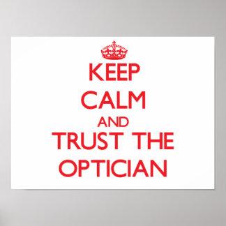 Guarde la calma y confíe en al óptico poster