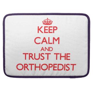 Guarde la calma y confíe en al ortopedista fundas para macbook pro